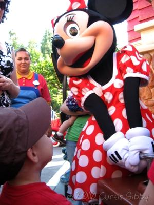 Disneyland 2010 - Nathan y Minnie